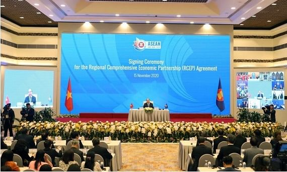 Vietnamese Prime Minister Nguyen Xuan Phuc addresses the signing ceremony of the Regional Comprehensive Economic Partnership (RCEP) during the 37th ASEAN Summit and related summits via video conferences in Hanoi, Vietnam, on November 15, 2020.