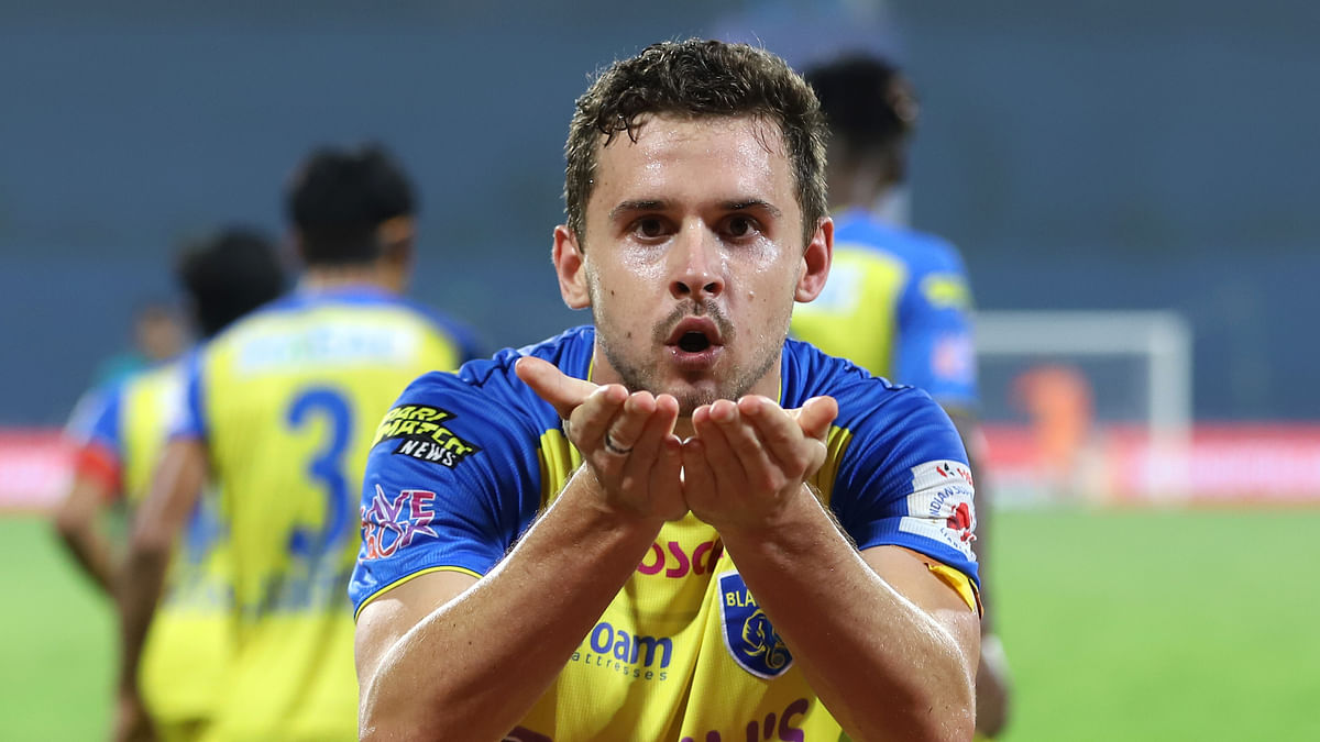 Vicuna's changes work as Kerala Blasters rise to grab first win