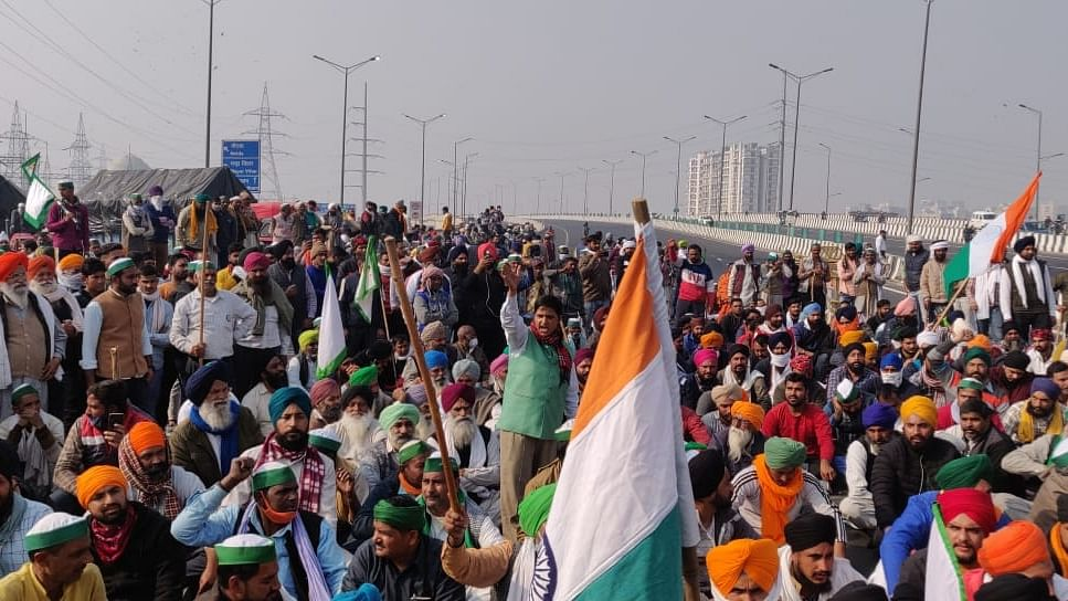 Bharat Bandh: Farmers, trade unions in 12 states extend support
