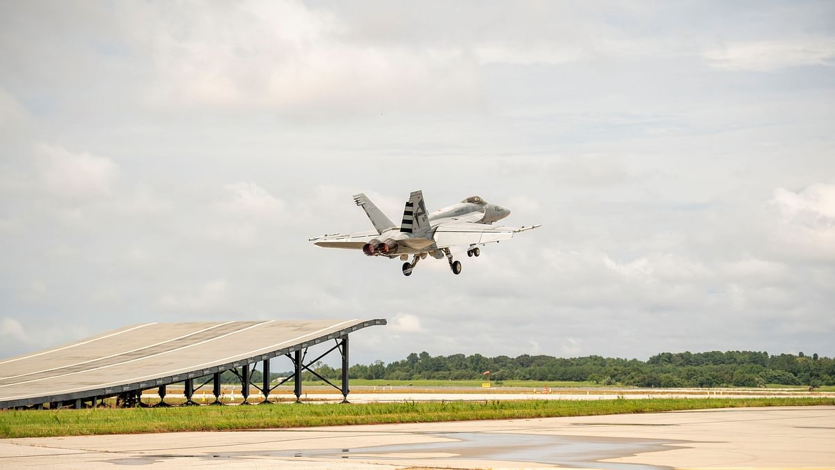 Boeing woos Indian Navy with Super Hornet's ski-jump launch capability