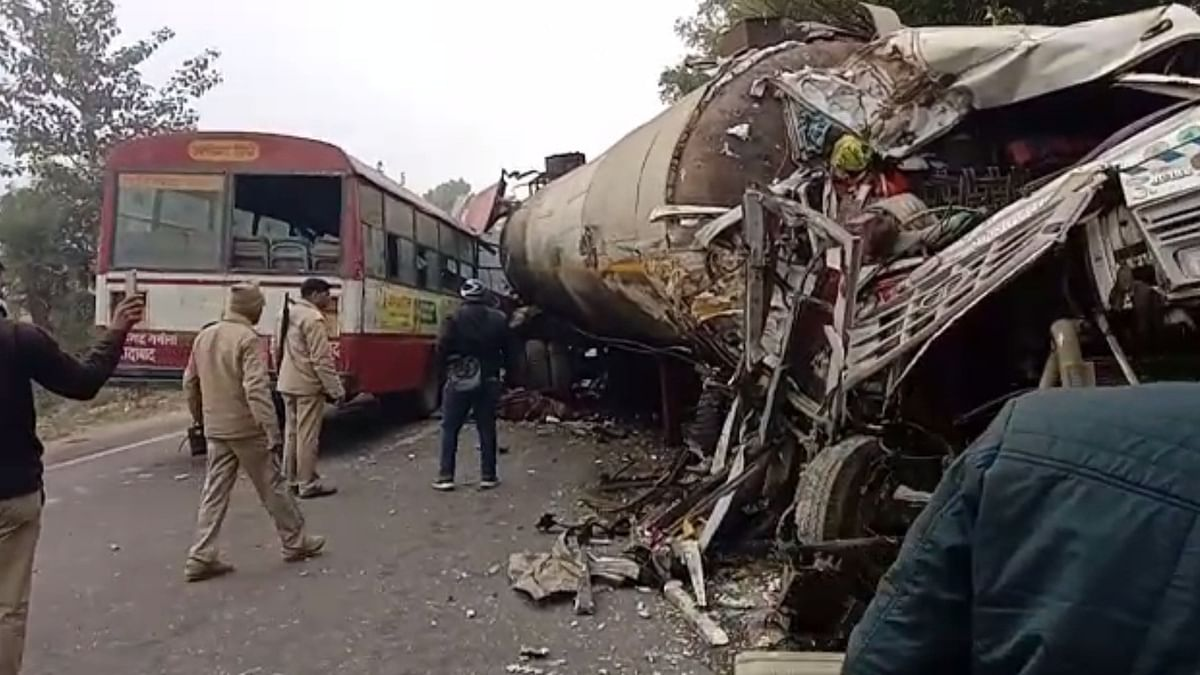 12 killed in bus-gas tanker collision in UP