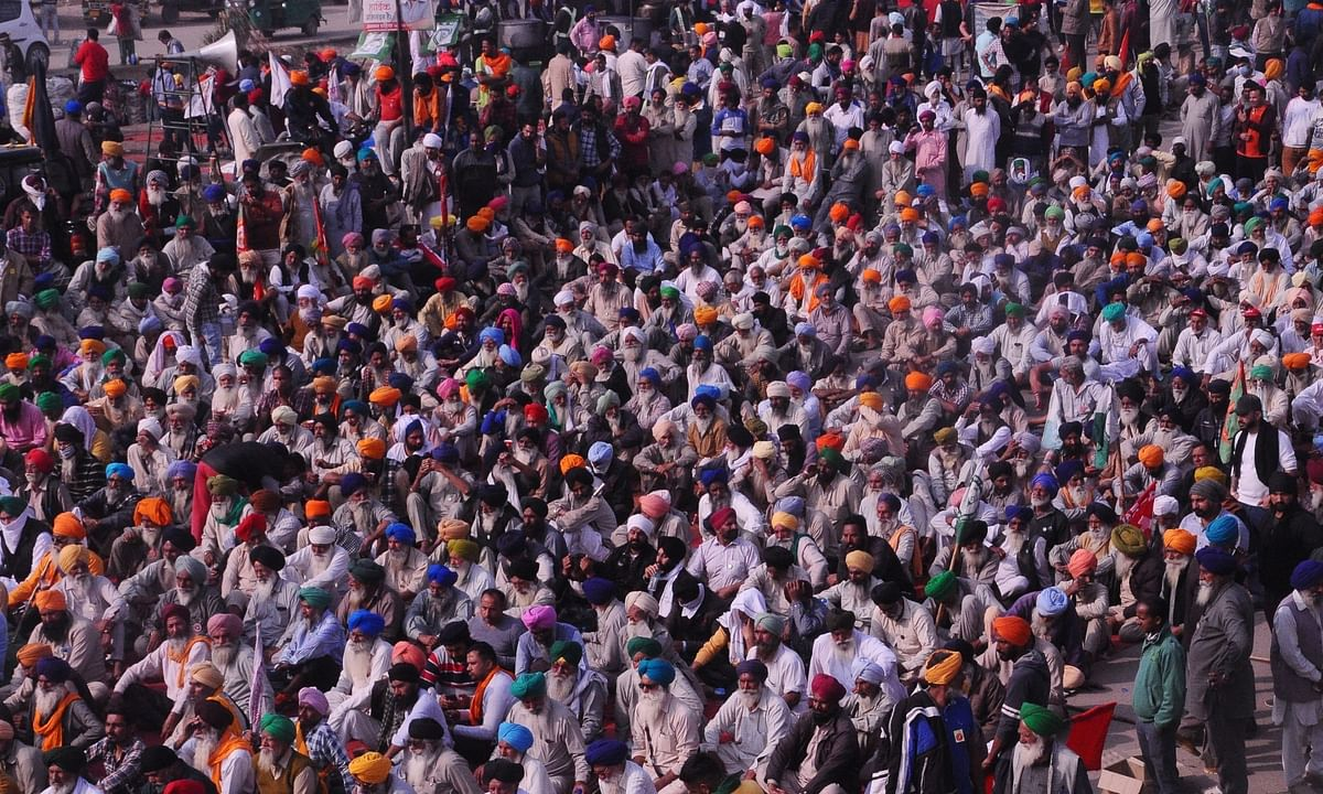 A view of the protest being staged by farmers against the Central Government's new Farm Laws at Singhu, on the Delhi-Haryana border for the sixth consecutive day, on December 1, 2020