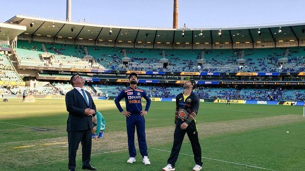 India opt to field first in 3rd T20I against Australia