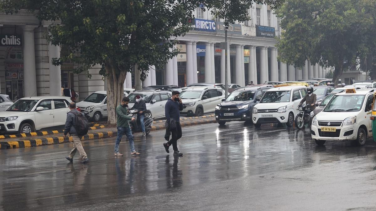 Moderate rain, hailstorm hit parts of Delhi