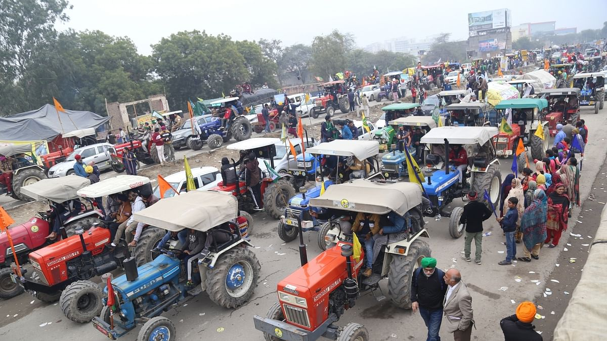 Farmers hold tractor rally, say it was 'rehearsal' for January 26