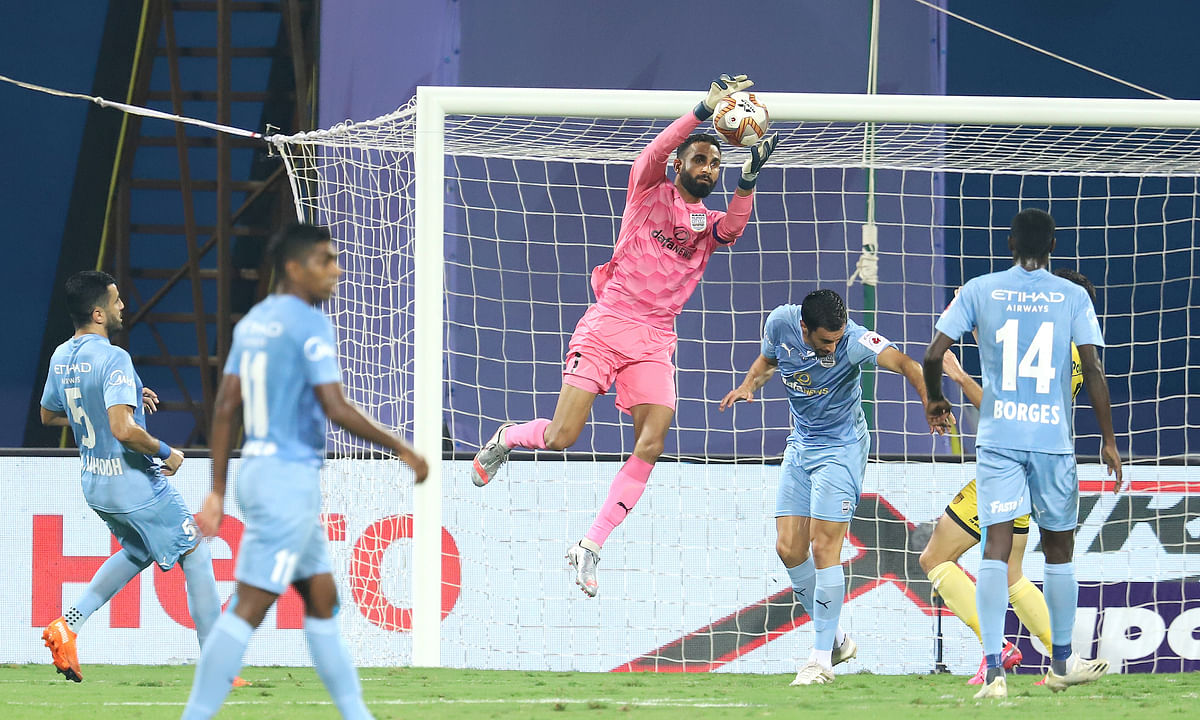Amrinder Singh claimed his 7th clean sheet of the season to help Mumbai City FC continue their unbeaten run in the Indian Super League, against Hyderabad, at Bambolim, Goa on January 16, 2021.