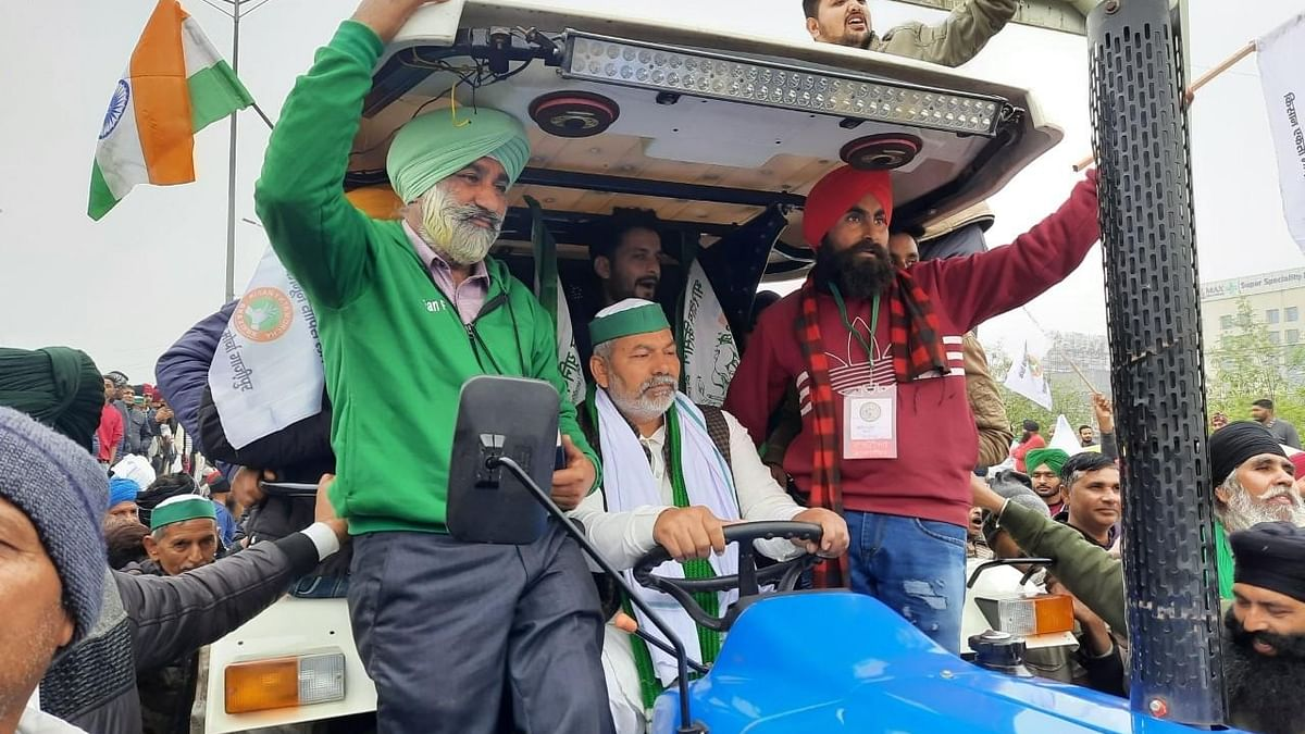 Farmers hold tractor march, say it's 'rehearsal' for January 26