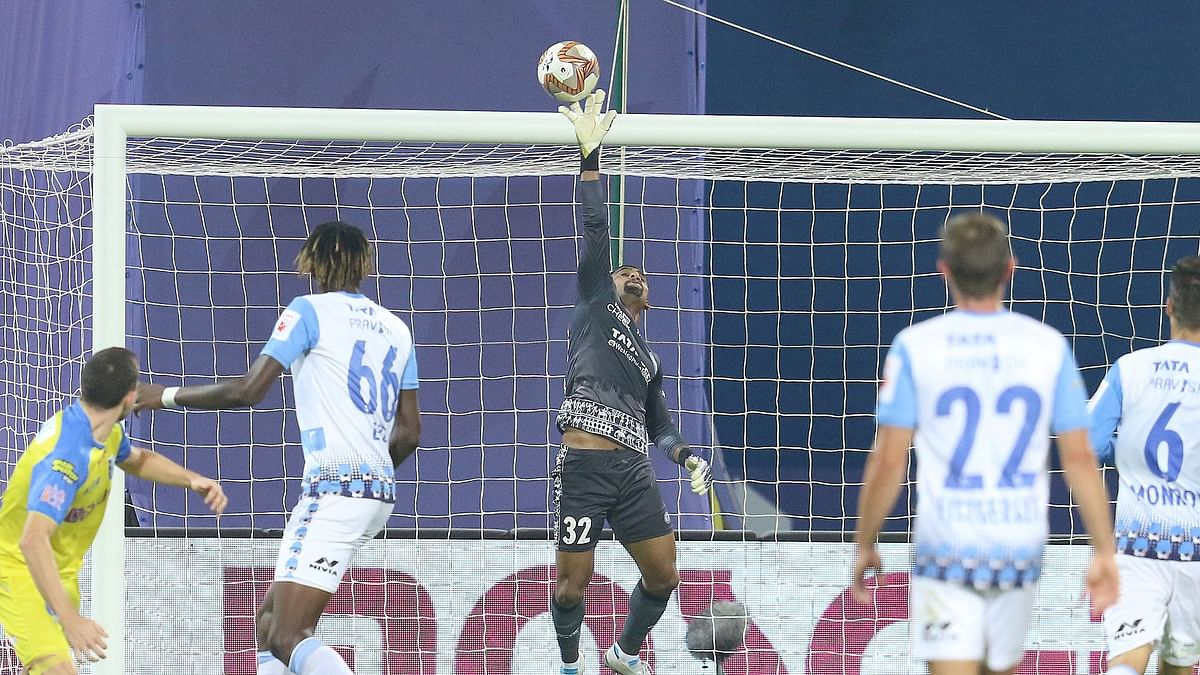 Unlucky Kerala shares spoils with Jamshedpur