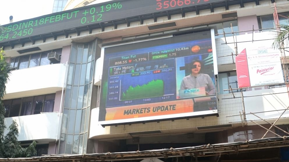 Market opens in green, Sensex rises 400 points