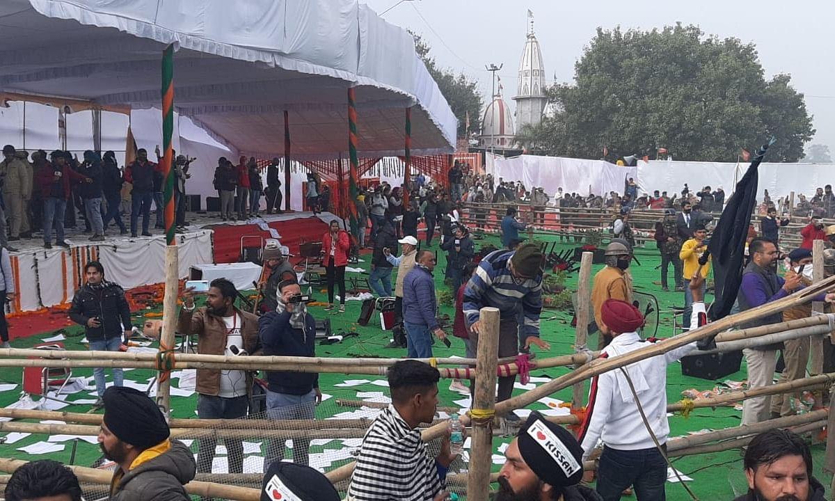 Farmers vandalise Karnal venue ahead of Khattar's arrival
