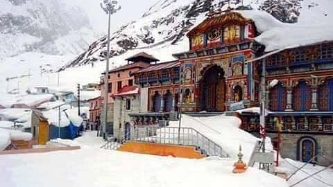 A view of the Badrinath temple