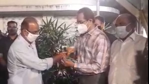 BJP jolted, its Mumbai unit VP Krishna Hegde joins Shiv Sena