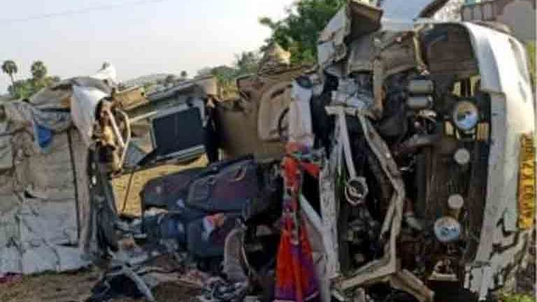 14 killed in mini bus-truck collision in Andhra