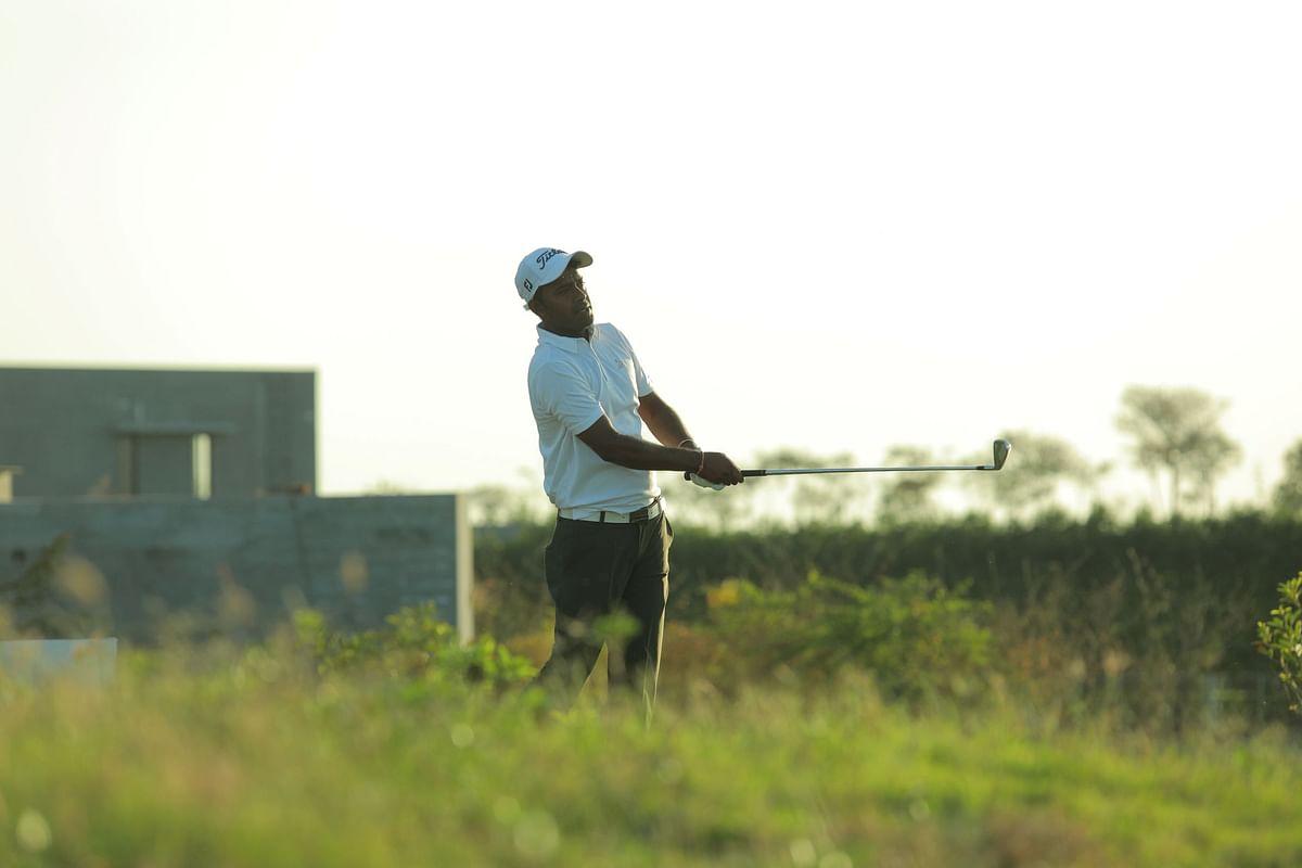 Golf: Om Prakash Chouhan cards 64, Manu Gandas fires 67 as duo hold joint third round lead