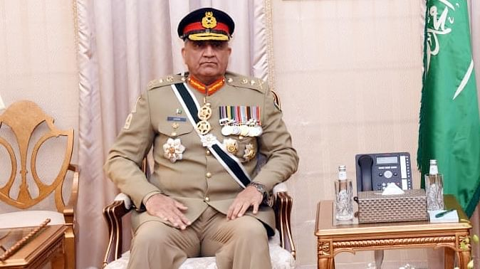 Time to extend hand of peace in all directions: Pakistan Army chief
