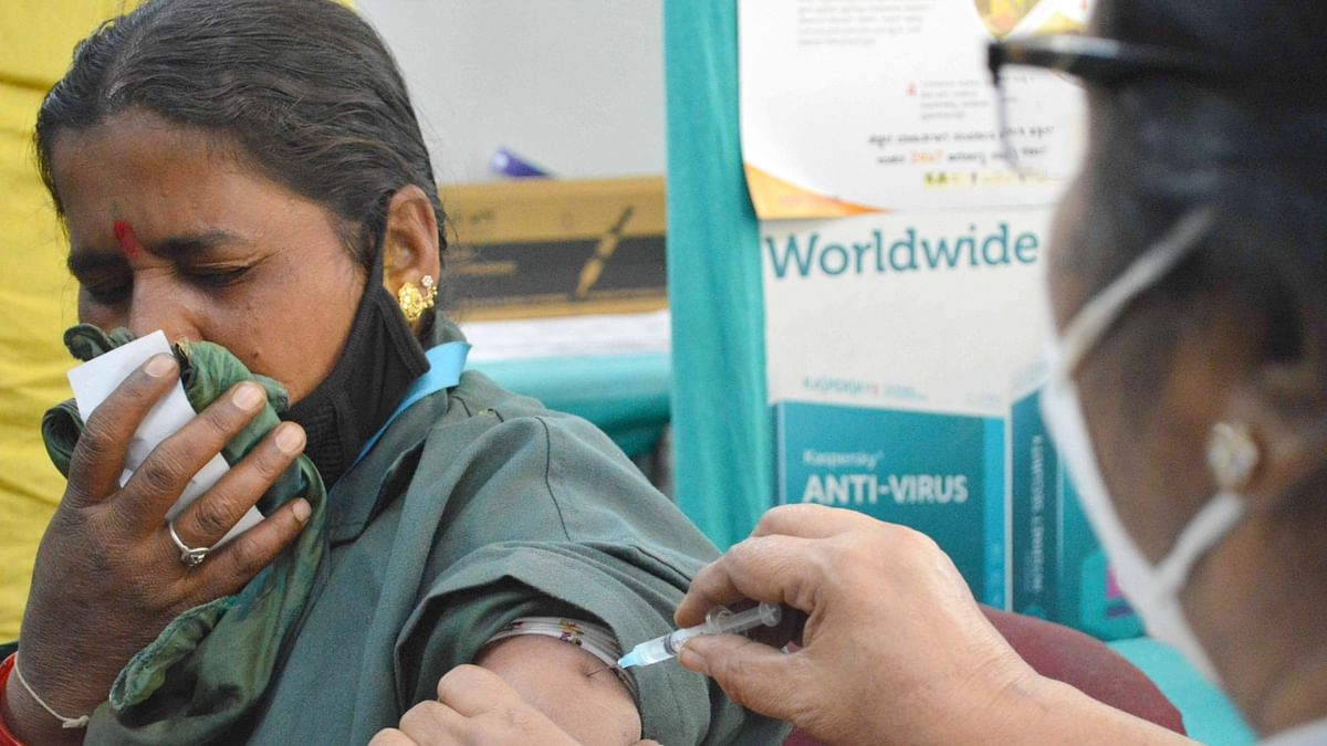 India records 90 COVID-19 deaths, 11,649 new cases of infection
