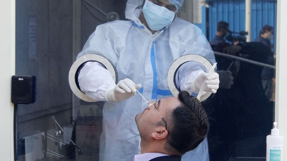 India reports 118 COVID-19 deaths, 11,427 new cases of infection