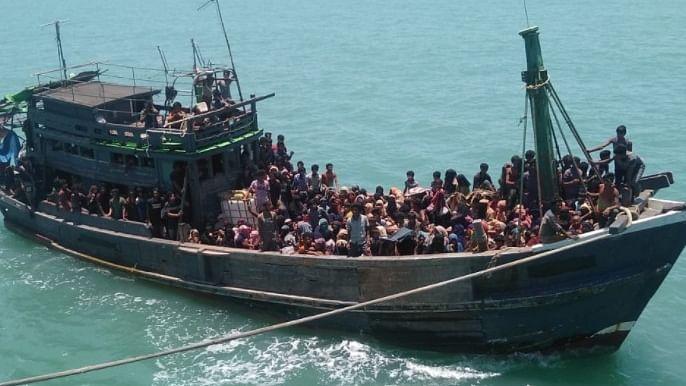India talking to Bangladesh to take back Rohingyas stranded at sea