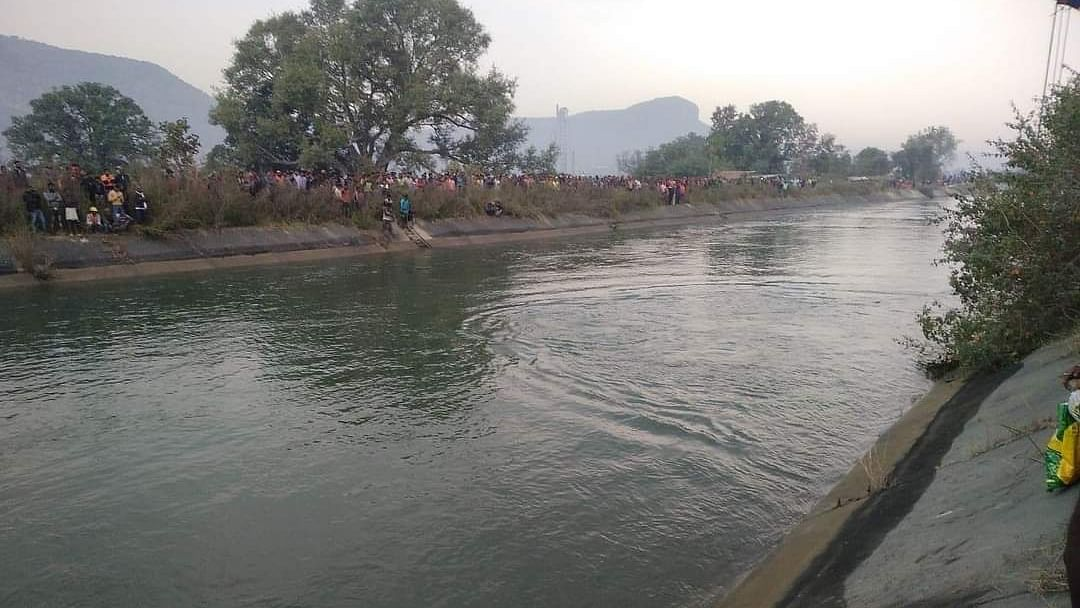 At least 47 dead as bus falls into canal in Madhya Pradesh