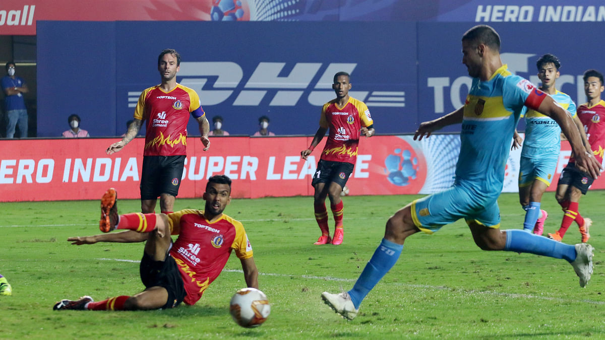 Late Santana show puts SC East Bengal on the brink
