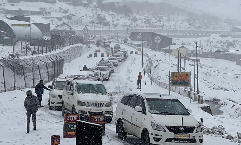Army rescues 447 tourists in Nathu La after snowstorm