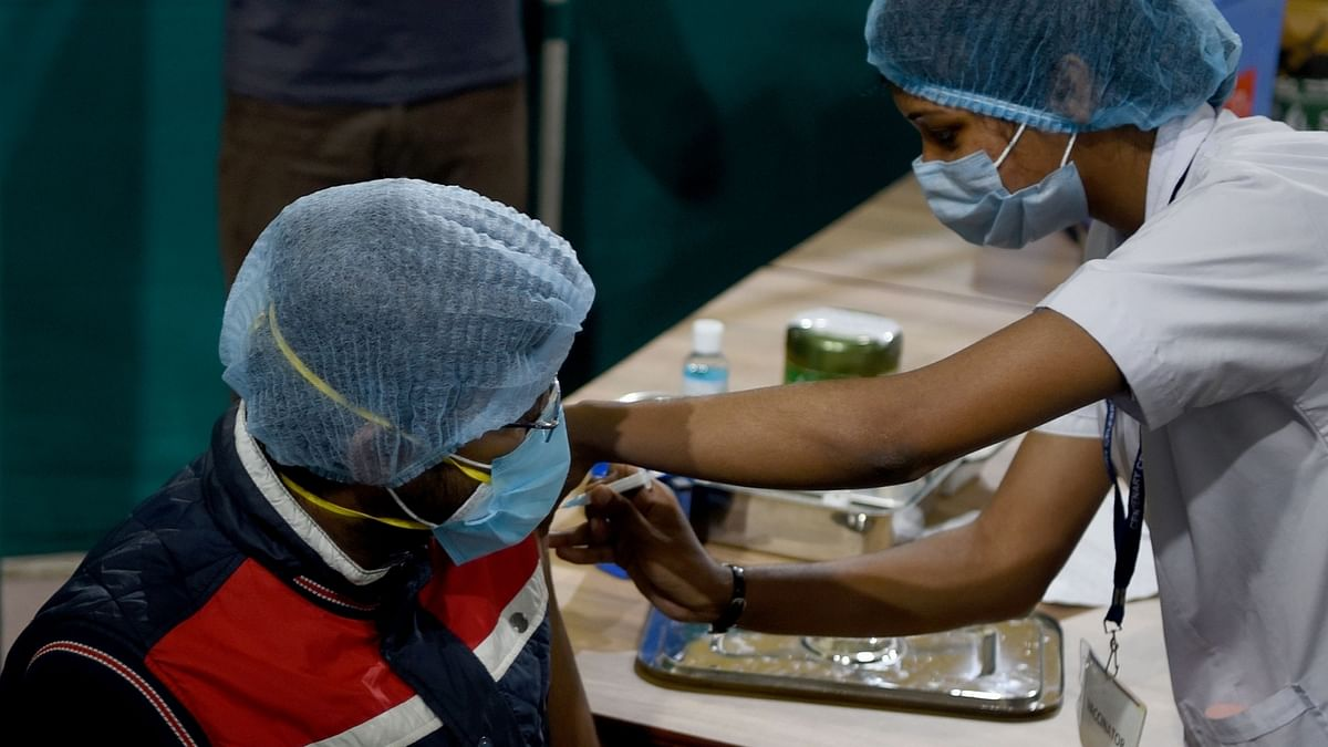 India registers 120 COVID-19 deaths, 12,408 new cases of infection