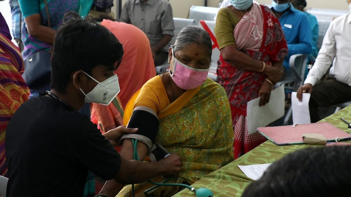 India records 354 COVID-19 deaths, 53,480 new cases of infection