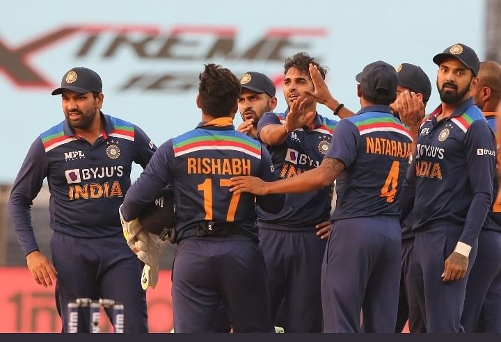 3rd ODI: India beat England by 7 runs to win series