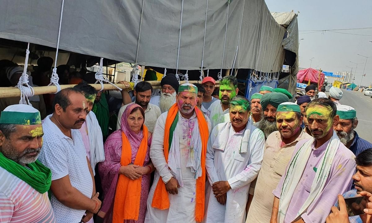 Farmers protesting against  the Central farm laws at Ghazipur on the Delhi-Uttar Pradesh border, celebrated Holi, the festival of colours, with simplicity, on March 29, 2021.