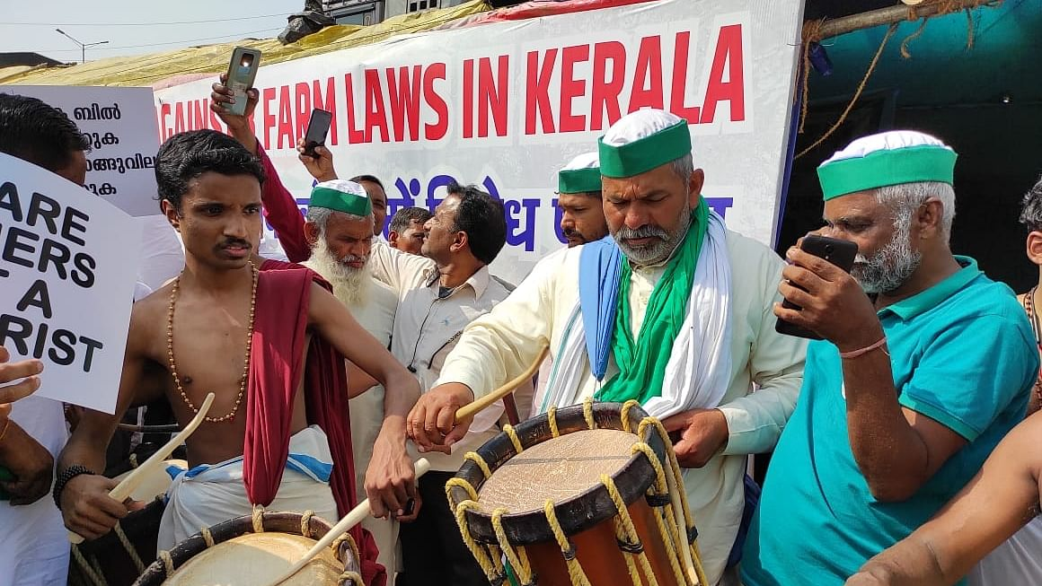 Kerala farmers join protest site at Ghazipur on Delhi-UP border