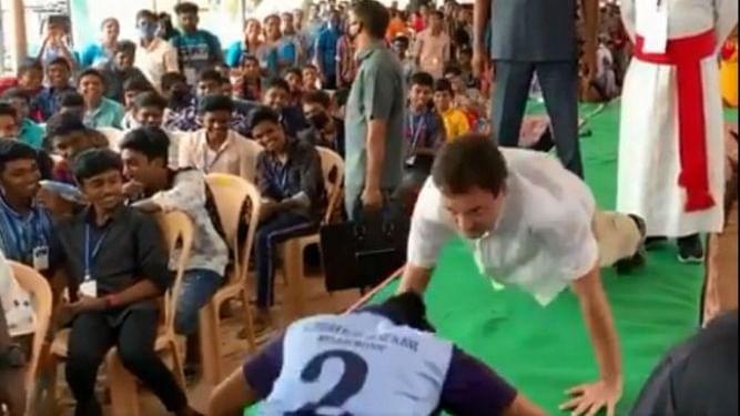 Rahul takes up push-up challenge at Kanyakumari