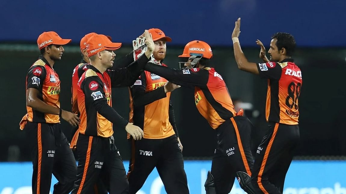 SunRisers Hyderabad restrict Royal Challengers Bangalore to 149/8
