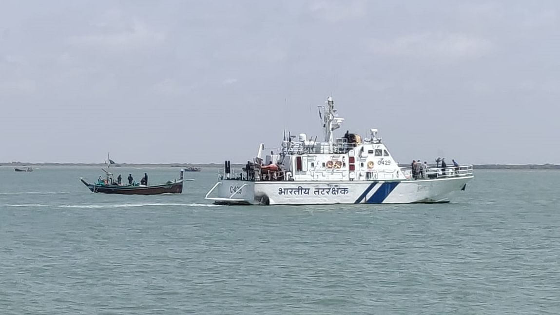 Indian Coast Guard apprehend Pakistani boat with 30 kg of heroin off Jakhau in Gujarat