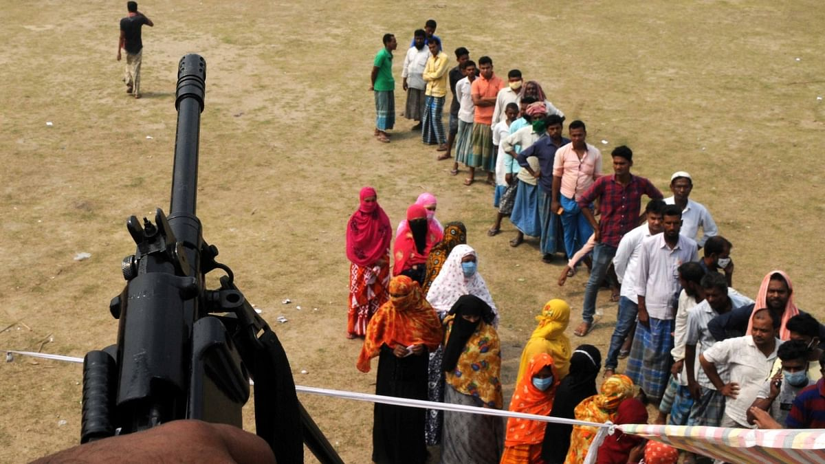 Marred by violence, Bengal sees 76% turnout in 4th phase of polls