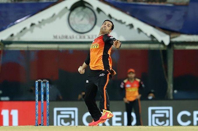 IPL: Rashid, Nabi help SRH restrict flying KKR to 187/6