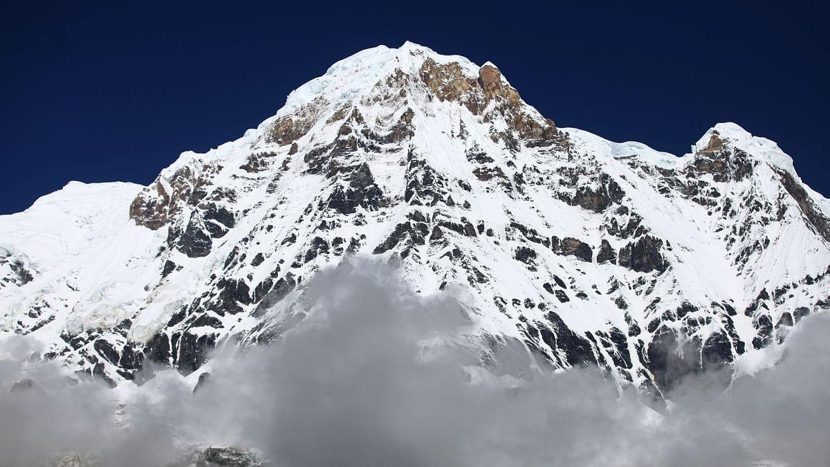 Six women climbers reach atop Mt. Annapurna