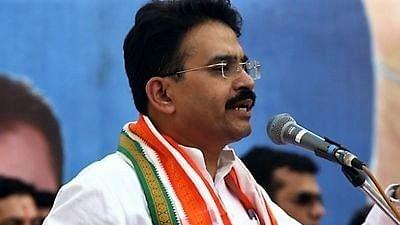 Congress MP Rajeev Satav loses battle to Covid