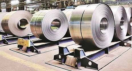 May's YoY industrial output rises on base effect, eases sequentially