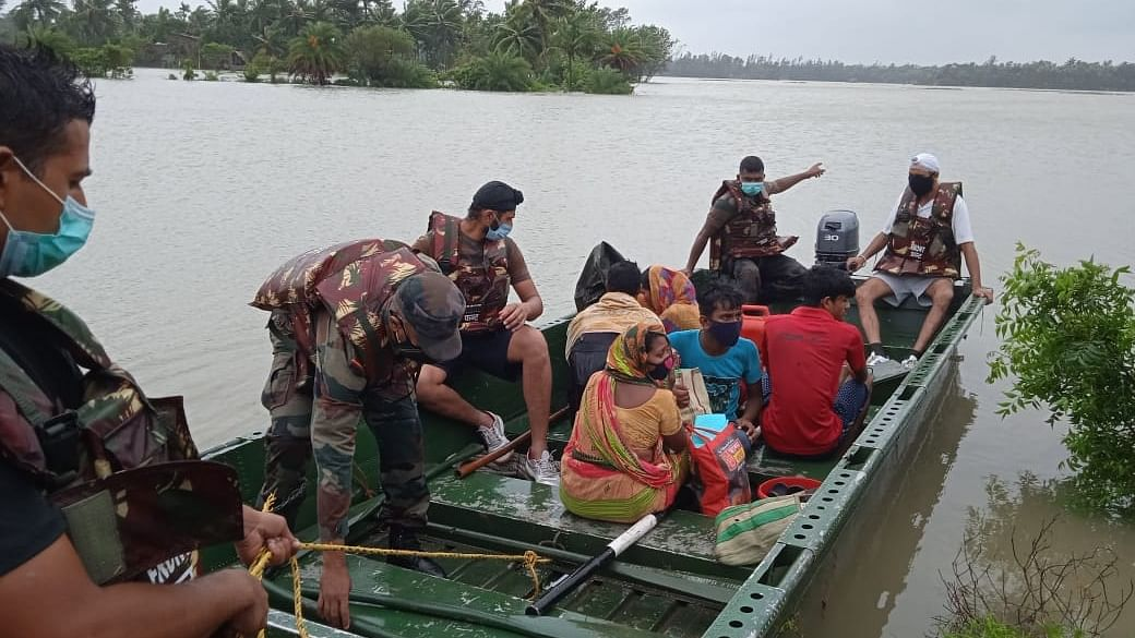 Cyclone Yaas damages houses, uproots trees and poles in Odisha, West Bengal