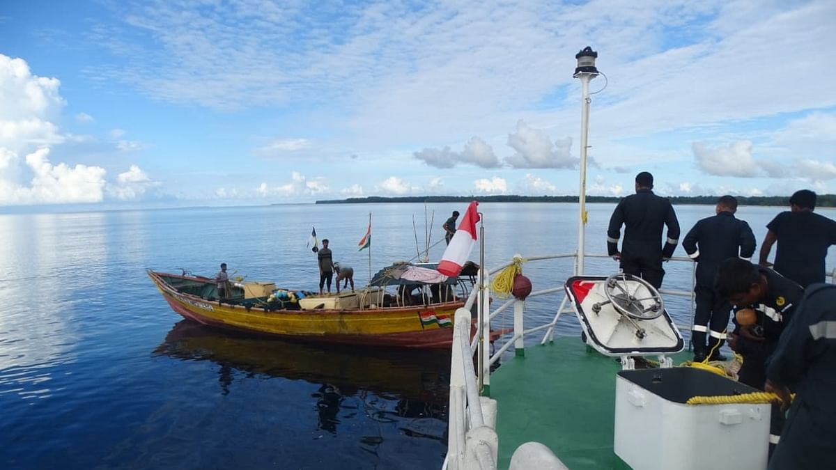 Coast Guard rescues five fishermen off Bomilla Creek, Hutbay