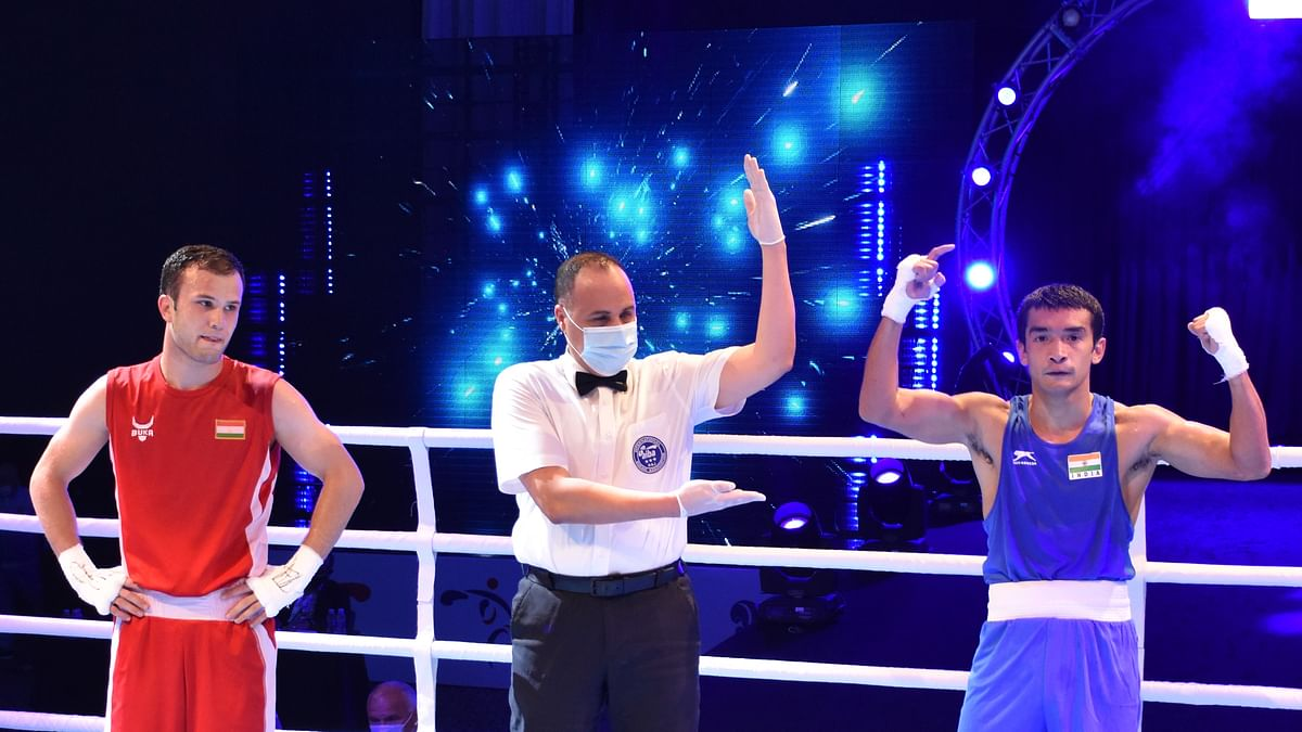 Boxing: Amit Panghal, Shiv Thapa in finals; Vikas Krishan, Varinder fail in semis