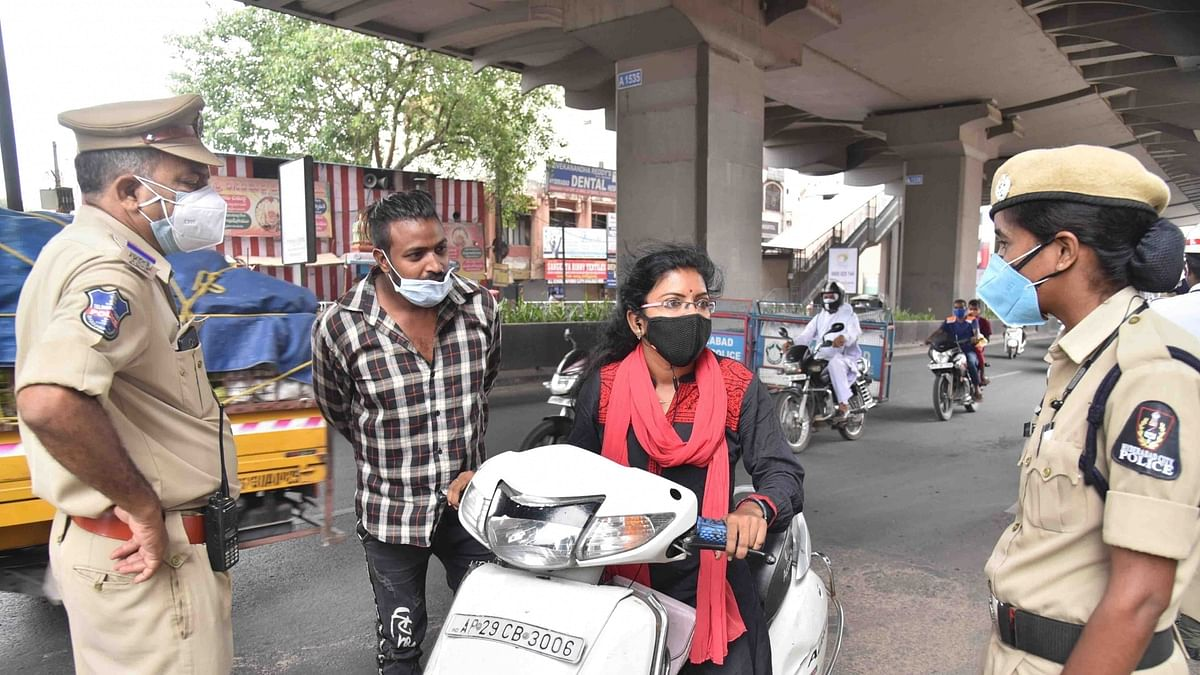 India logs 4,106 more COVID-19 deaths, new cases dip below 300,000