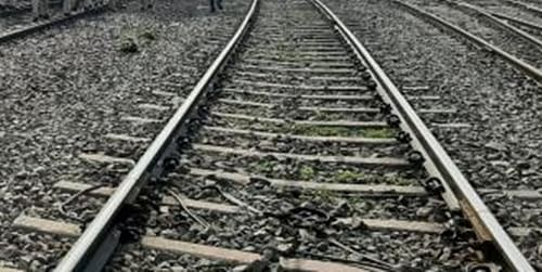 UP: Five jump off wrong train in Jhansi, one dead, four injured