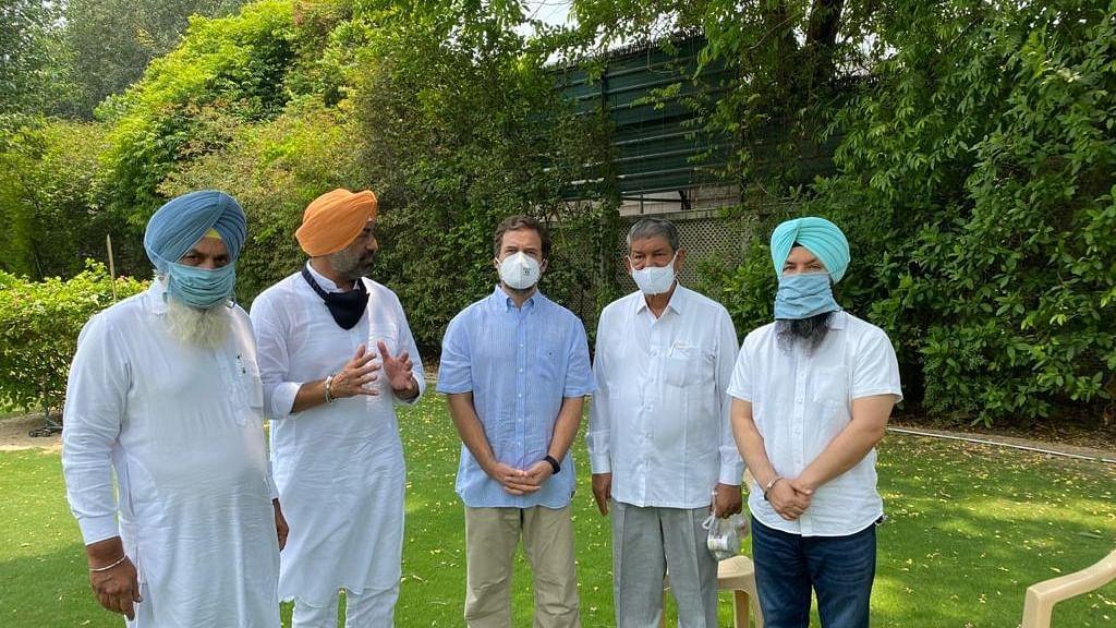 Rebel AAP MLAs meet Rahul Gandhi in Delhi, merge outfit