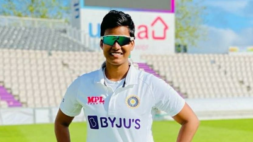 One-off women's Test: India fighting back to avoid defeat against England