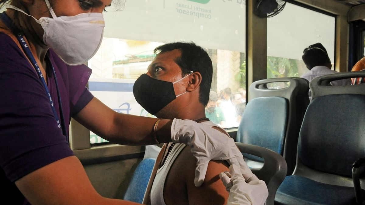 India reports 2,713 COVID-19 deaths, 132,364 new cases of infection in last 24 hours
