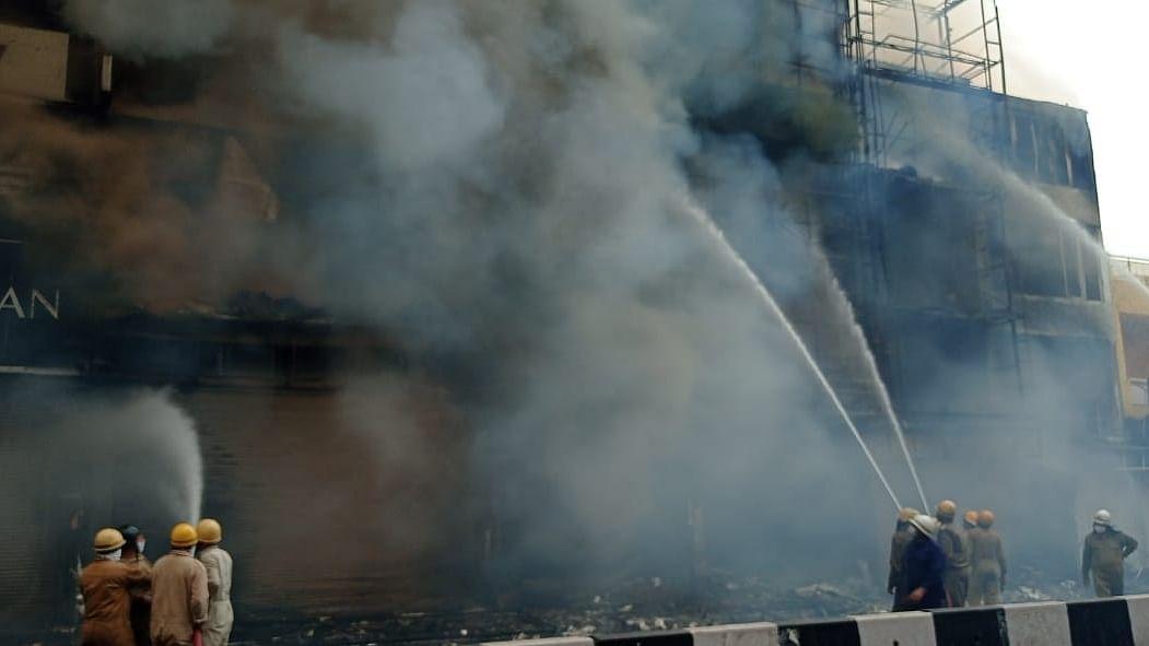 Fire breaks out in Delhi's Lajpat Nagar Market