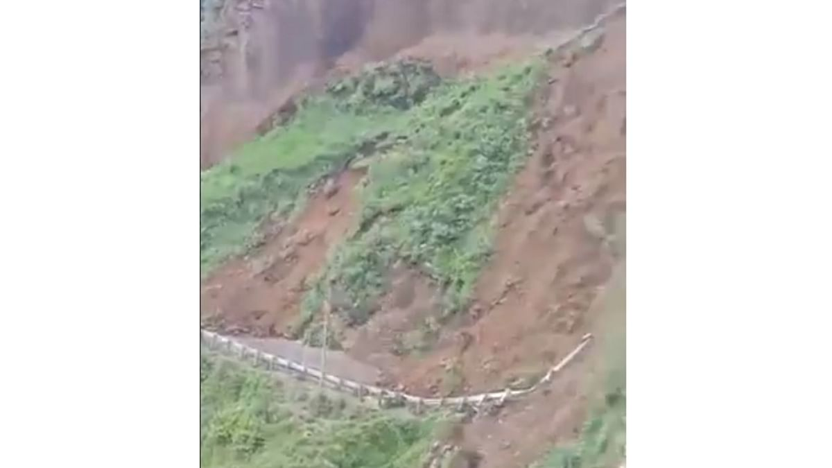 Entire mountainside rolls down in Himachal, scary video goes viral