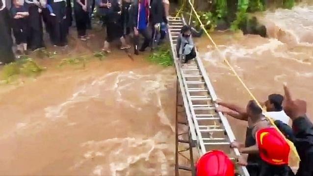 Maharashtra cops rescue 116 revelers stranded on hill after heavy rains
