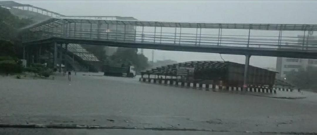 Gurugram: Heavy rain, waterlogging throw life out of gear